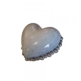 Coeur Valentine perle de couleur gris perle.